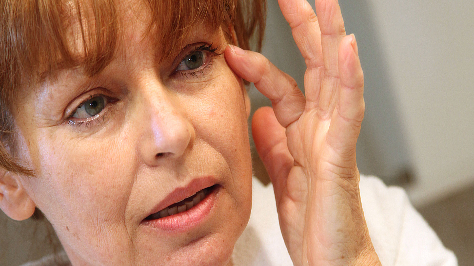donna 50 anni con pelle secca